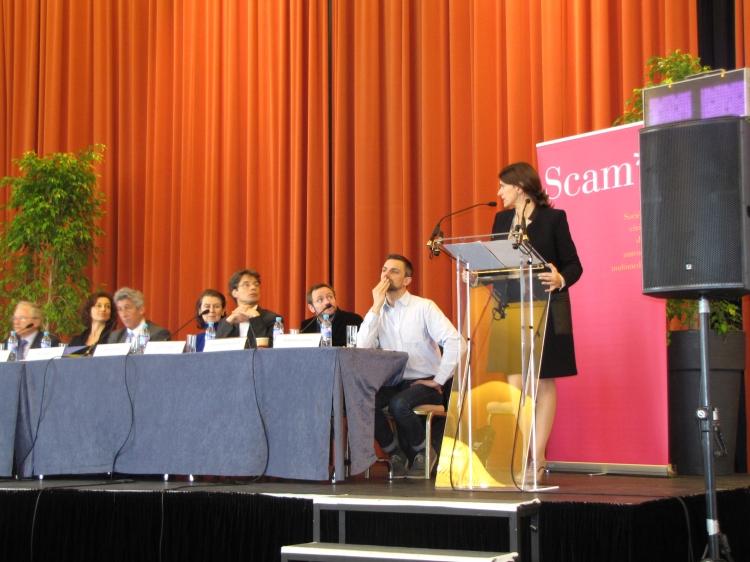La ministre de la Culture et les autres intervenants du secteur ont débattu ce matin, au FIPA - Crédit Photo : Yann Lagarde