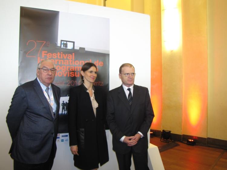 Aurélie Filippetti, ministre de la Culture, entourée de Didier Decoin, président du FIPA et François Sauvagnargues, directeur délégué du FIPA